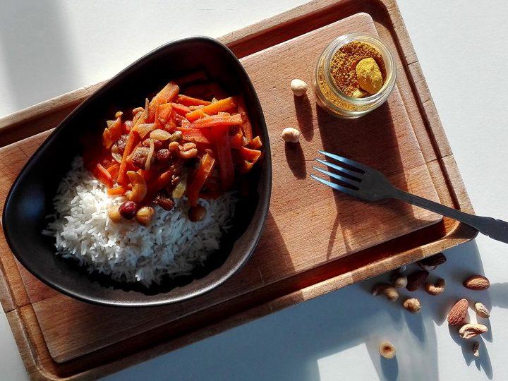 Riz basmati aux épices, carottes & fruits secs